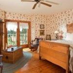 Granary Room Overview - Door County Motel