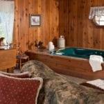 Grand Suite Whirlpool - Door County Suites